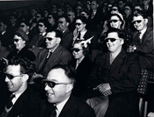 3d movie goers