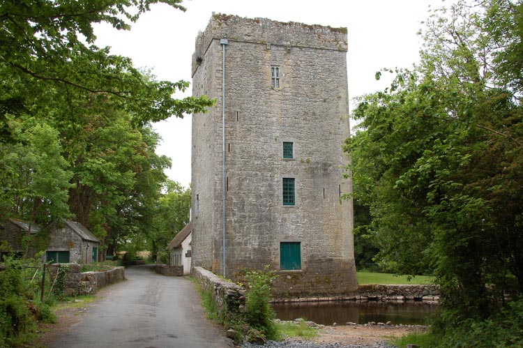 Thoor Ballylee tower and bridge