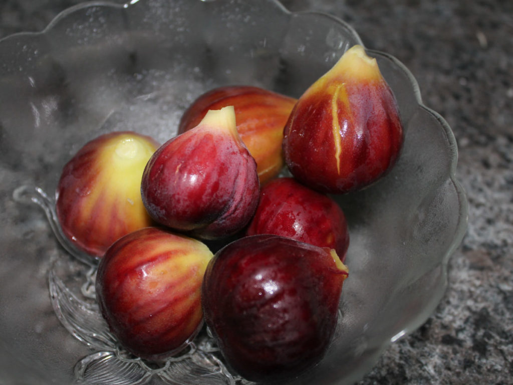 Photo of purple figs