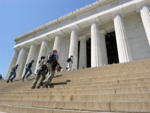 People walking up steps to Lincoln Monument