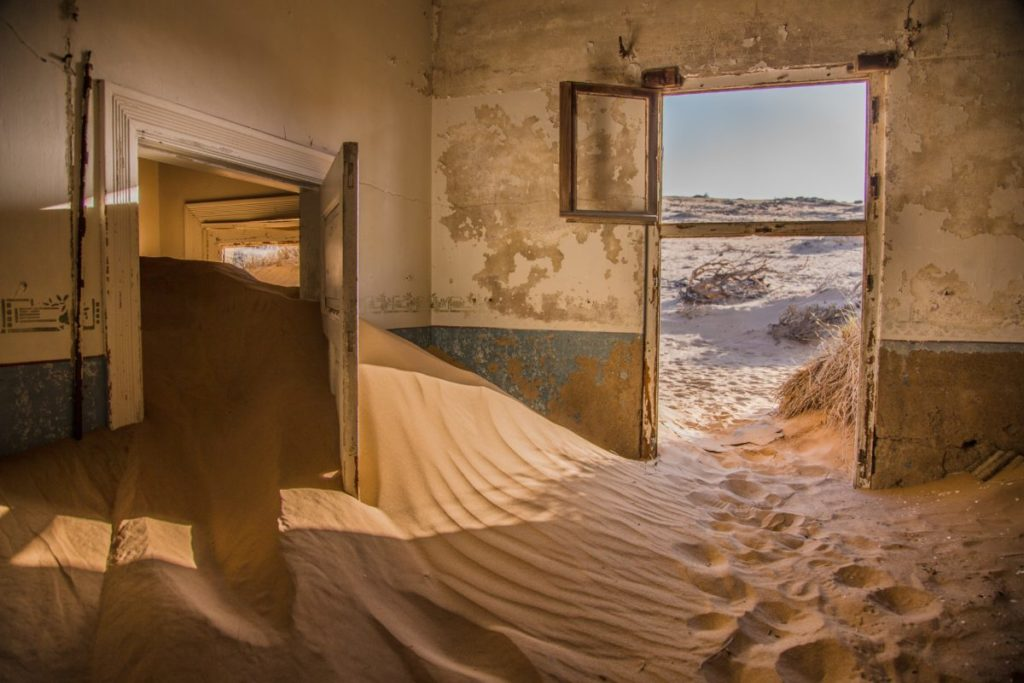 Photo of rooms filled with sand