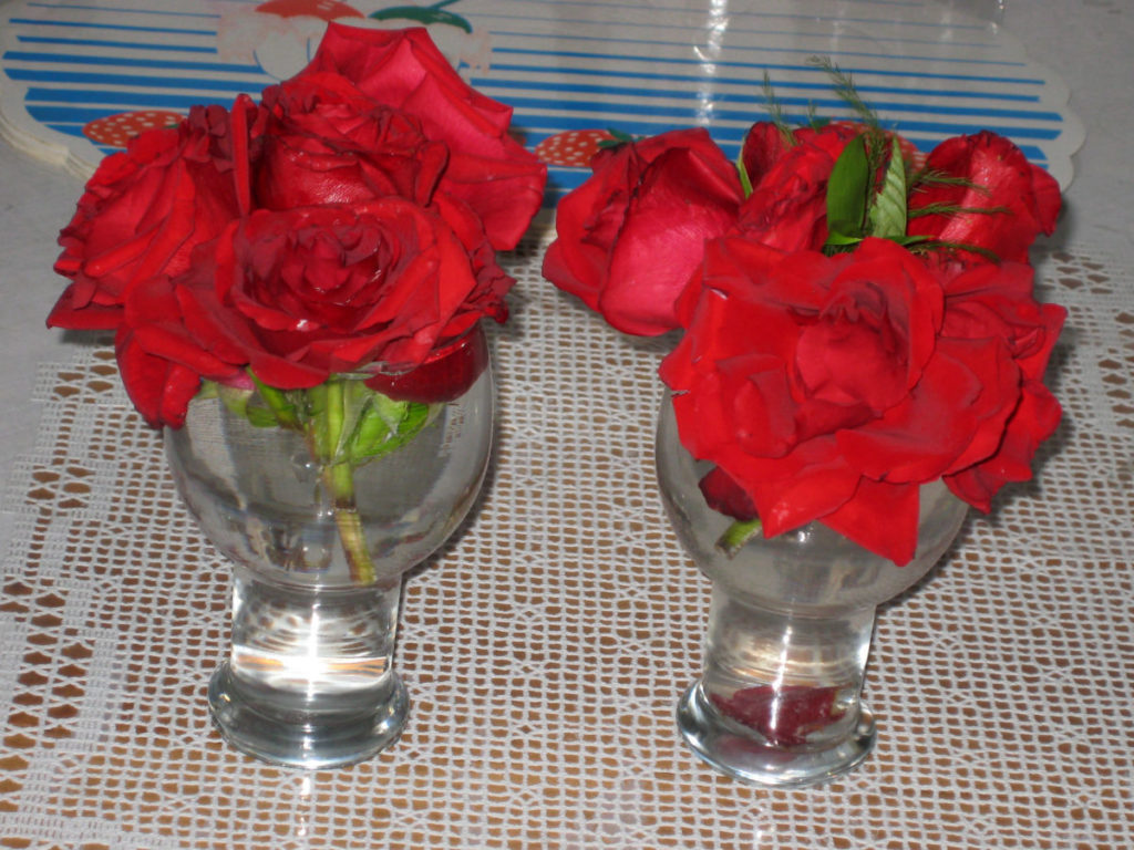 Photo of roses in glasses